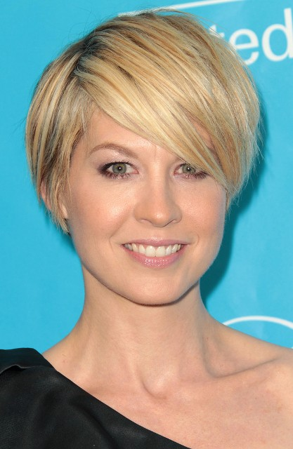 Blonde Short Hairstyles For Round Faces O Haircare